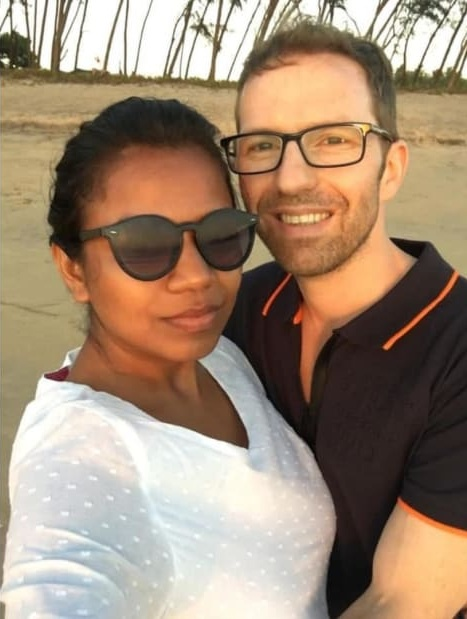 Будущая пара жила на одном курорте на Гоа
