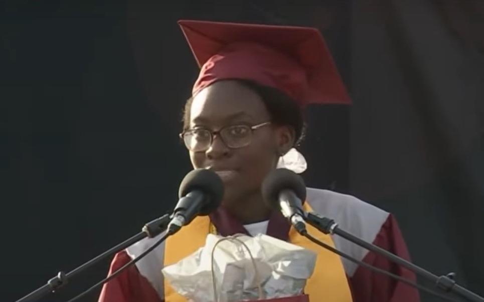 Школьница отказалась от стипендии и попросила, чтобы ее предоставили человеку, который нуждается в ней больше, чем она