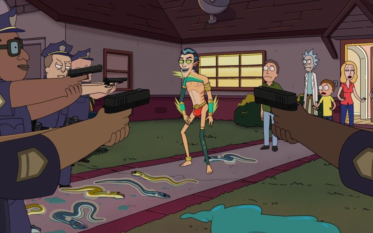 Мистер Нимбус контролирует полицию танцем в стрингах