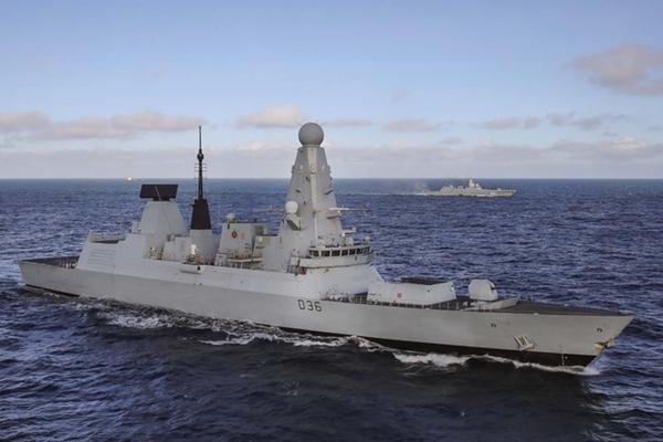Флот Великобритании начал выполнять задачи в интересах США