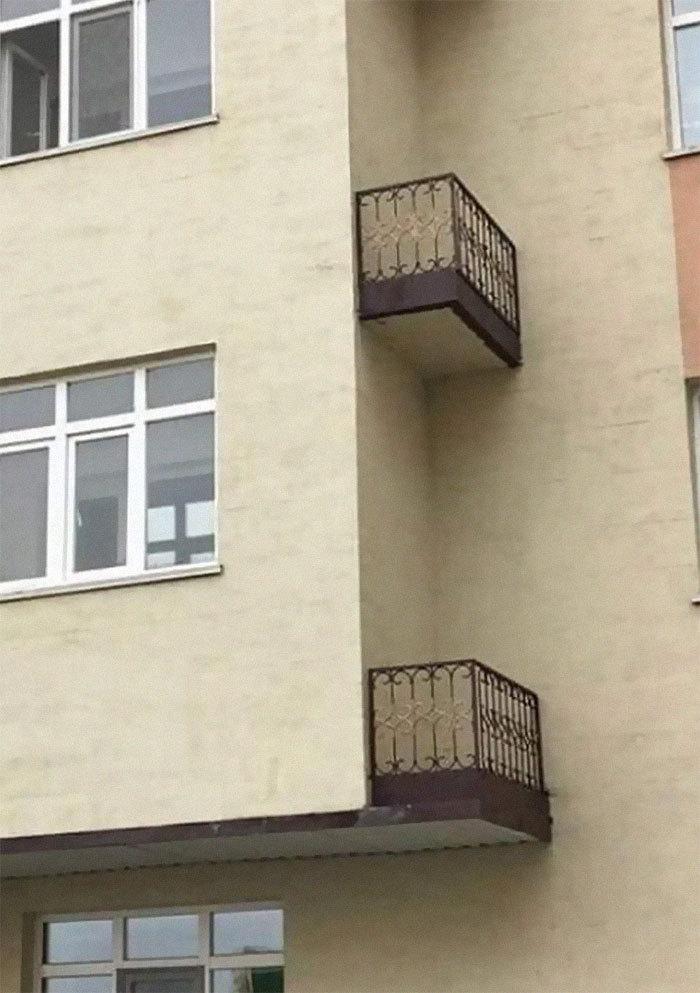 Если почувствуете себя бесполезно, вспомните про эти балконы.