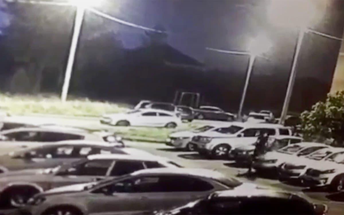 Момент расстрела полицейского попал на видео