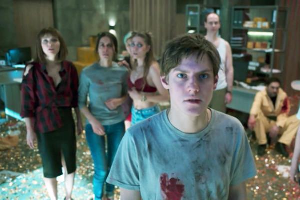 Создатели сериала «Колл-центр» вдохновлялись сюжетами «Остаться в живых» и «Черного зеркала»