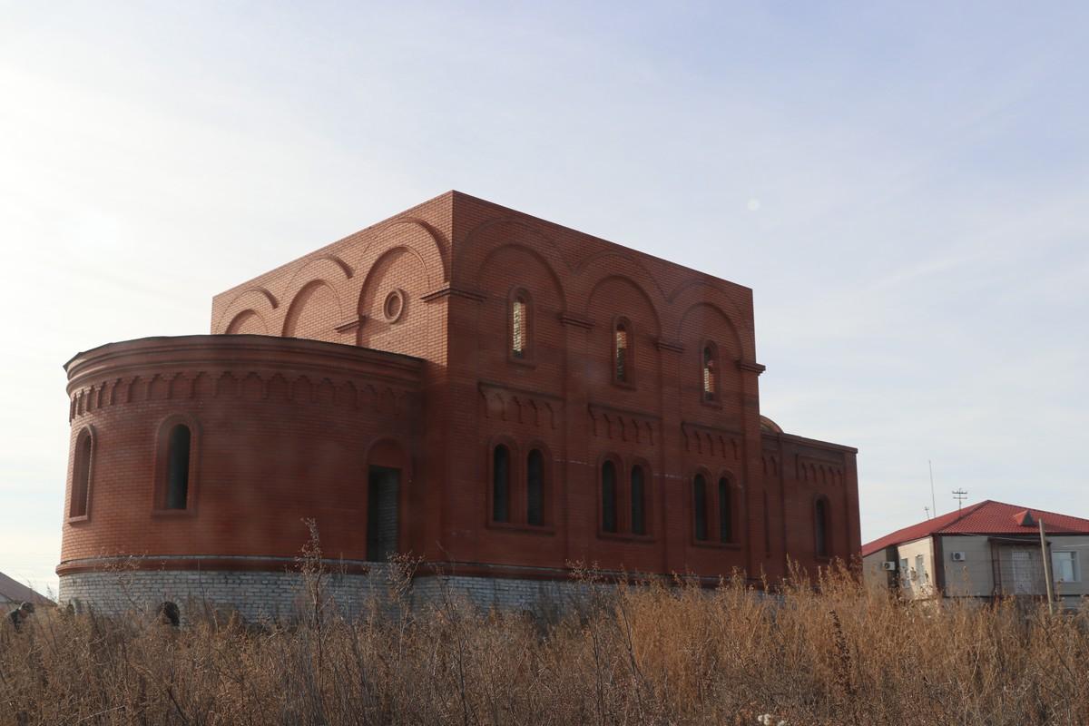 Троицкий храм -