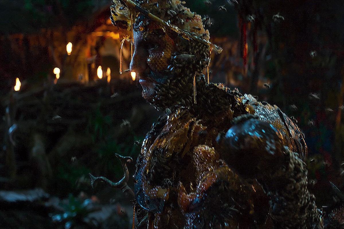 Фильм рассказыает и что случилось с теми, кто уже пытался добраться до дерева.