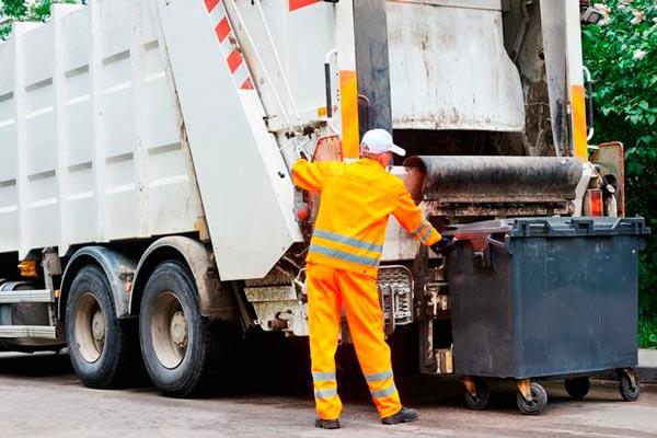 Какая техника используется для вывоза мусора
