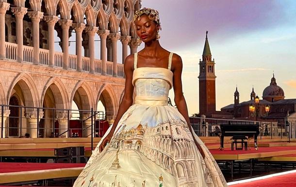 Dolce & Gabbana устроили роскошное шоу в Венеции